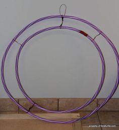 giant wreath frame using hula hoops