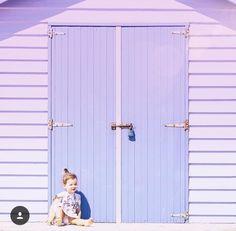 Lilac door.... @clairecollected / Instagram