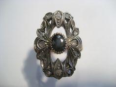 Anello Vintage in oro giallo e argento con diamanti taglio cava vecchia e zaffiro taglio ovale...solo da easyoro!