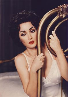 Winona as Liz Taylor by makeup Artist Kevyn Aucoin~