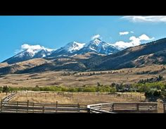 montana ranch view.... What I'd give to live here .