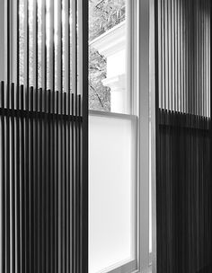 ref 124 Detail of wooden louvres by Minus. Partition Screen, Partition Design, Facade Design, Door Design, Wall Design, House Design, Divider Screen, Architecture Details, Interior Architecture