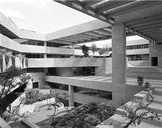 El Colegio de México / Abraham Zabludovksy y Teodoro González de León