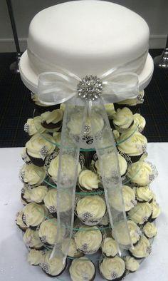 Vintage Wedding Cake & Cupcake Tower