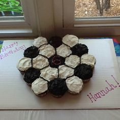 Soccer Ball Cupcake Cake - Doing this for Kerri's birthday! Birthday Cake For Him, Soccer Birthday Parties, Sports Birthday, Soccer Party, Birthday Fun, Sports Party, Birthday Ideas, Soccer Treats, Soccer Snacks