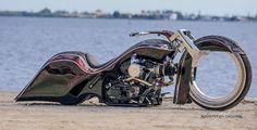Harley-Davidson Road King Custom - Right Side