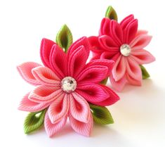 Kanzashi fabric flowers