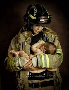 Por uma foto perfeitamente natural este bombeiro pode perder seu lugar na corporação