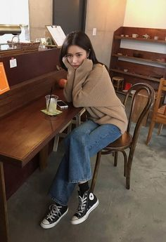 Petite Fashion Tips .Petite Fashion Tips Style Outfits, Cute Casual Outfits, Pretty Outfits, Winter Outfits, Fashion Outfits, Hijab Fashion, Fashion Tips, Korean Girl Fashion, Korean Street Fashion