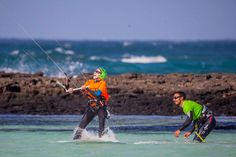 The largest flat water areas  with no gusty winds are in the north of Fuerteventura, usually uncrowded flat water and great point breaks for the wave riders.  Many small lagoons ( what means little kitesurfing little beaches) . The most famous, are closer to Cotillo,  a great place to watch a pro ri