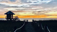 Boca Raton Beach, Sunrise Pictures, Us Beaches, South Florida, Modern Contemporary, Landscaping, Ocean, Sunset, Building