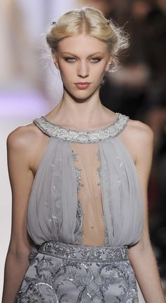 Amazing Dresses, Nice Dresses, Embellished Gown, Blush Roses, Zuhair Murad, Couture Fashion, Red Carpet, Designers, Spring Summer