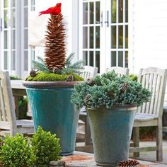 Browse holiday and seasonal decoration designs and ideas for your home. Get a new Christmas decor look with these fabulous Outdoor Christmas Decorations for a Holiday Spirit.  [...]