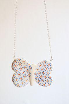 handmade pendant by ploudoll on etsy  ploudoll.esty.com  #butterfly #mariposa #handamde #diybutterfly #ploudoll #whimsical