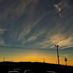 . 平日起きる頃朝焼けが見れる時期になりました 連休の時早起きを試みましたがずっと枕と友達になってました . 今日も1日お疲れさまでした . #sky_captures #landscape_captures #sky_brilliance #nature_brilliance #nature_skyshotz #sky_sultans #igsunset #loves_nippon #loves_skyandsunset #sunset_vision #main_vision #igshotz_good #igshotz_power #sky #gottolove_this #nuc_mbr #sunset #cloud #夕焼け #空 #iphone #iPhone6 #natural #landscape #princely_shotz #super_photosunsets #fotogulumse #sky_perfection #evokingnewemotions (by solex_crux)
