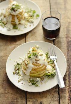 salada de pera com roquefort, um almoço light para depois dos...