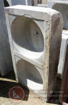 Fregadero De Mármol De Dos Senos  Pila maciza de mármol de dos senos, recuperada.  Dimensiones: 94x50x19cm  Ref: R0513  Realizamos envíos  ---PVP: 185€ --- Hazte con ella haciendo click en la imagen.