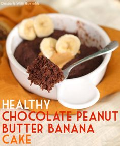 Healthy Single-Serving Chocolate Peanut Butter Banana Microwave Cake - Healthy Dessert Recipes at Desserts with Benefits Vegan Sweets, Healthy Baking, Vegan Desserts, Healthy Desserts, Fun Desserts, Delicious Desserts, Dessert Recipes, Yummy Food, Vegan Food