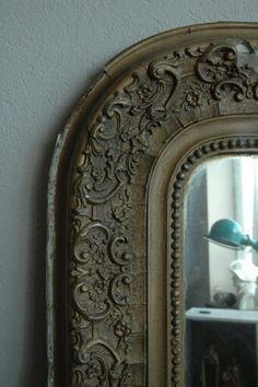 Jieldé in a old mirror