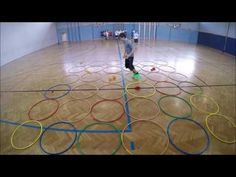 8 coole Spiele für den Sportunterricht - YouTube Olympia Games, School Games, Physical Education, Fun Games, School Sports, Kids Sports, Pe Lessons, Primary School, Sports Training
