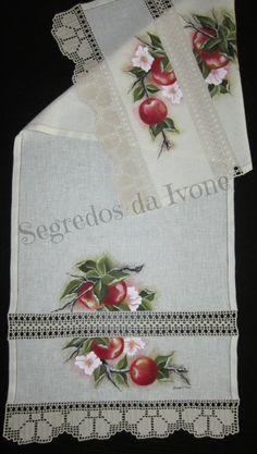 CM30- Pintura e crochet em caminho de mesa