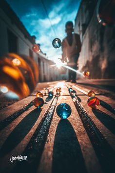 This Photographer Uses Clever Tricks for Extraordinary Photos – Art Photography Summer Photography, Photography Classes, Artistic Photography, Creative Photography, Digital Photography, Photography Poses, Amazing Photography, Street Photography, Nature Photography