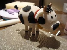 Fondant cow tutorial