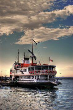 ✿ ❤ İstanbul boğazda vapur...