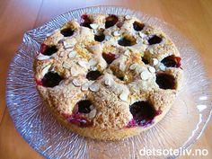 """Kjempegod og lettvint """"Plommekake"""", som er rask å lage! Pie, Desserts, Food, Torte, Tailgate Desserts, Cake, Deserts, Fruit Cakes, Essen"""