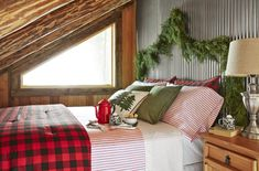 Sometimes, all your bedroom or living room needs is an accent wall to freshen things up! Create a bold and eye-catching accent wall with wallpaper, gallery walls, a bold paint color, and more with these ideas. Cabin Christmas Decor, Rustic Christmas, Christmas Fun, Christmas Decorations, Holiday Decor, Christmas Bedroom, Cottage Christmas, Victorian Christmas, House Decorations