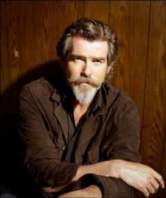Van dyke beard style for the man with long face  Learn other 2 homemade Beard styling tricks that you will not believe! — Mens Fashion Blog - The Unstitchd #theunstitchd