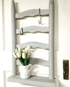 How to create a bathroom shelf and storage from a broken chair. homeroad.net
