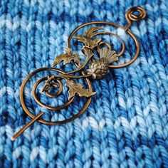 Outlander Shawl Pin in Bronze with Scotish Thistle