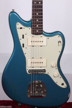 Fender Jazzmaster 1964 / Lake Placid Blue / Custom Color  #Fender #Jazzmaster #VintageGuitars #Guitars