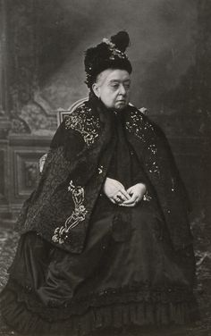 1900 photograph of Queen Victoria still in her black mourning gown (her husband died in 1861)