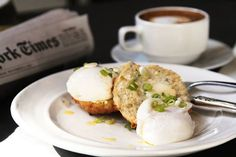 The Fat Raddish for British brunch. Try the banana bread, avocado toast, and British Breakfast. Brunch Nyc, Egg Toast, Recipe Of The Day, Meals For One, Food For Thought, Yummy Food, Delicious Recipes, Breakfast Recipes, Avocado Egg