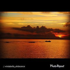 """Lovely way to start the #weekend! Photo by @vistabella_elsbrancs: """"Beautiful #sunset overlooking the Bay of #aRoses with the """"els Brancs"""" islands and a fisher-boat returning to port."""""""