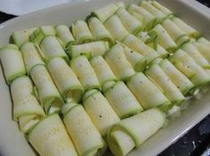 """Canelone"" de abobrinha Other Recipes, Easy Cooking, Finger Foods, Gluten Free Recipes, Zucchini, Easy Meals, Good Food, Food And Drink, Low Carb"