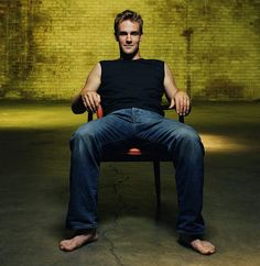 James Van Der Beek- those jeans and bare feet; dare I say Christian Gray's red room outfit? Famous Celebrities, Celebs, Actor Studio, Barefoot Men, Female Feet, Christian Grey, Celebrity Feet, Role Models, Hot Guys