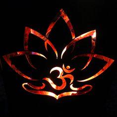 Lotus onFire auch als Wandtattoo hier aber als Feuerkorb