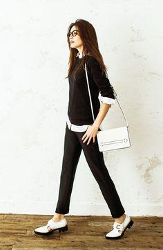 座っても、歩いても心地よい、永久定番のブラックパンツ。 IEDIT レーベルコレクション 洗練スーツスタイルを作るバレエフィット【TM】パンツの会(3回限定コレクション)