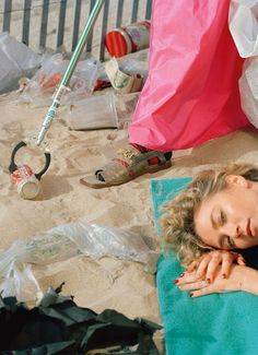 Clean it, beach: Reto Schmid's new fashion series shines light on the plastic waste problem Vintage Photography, Editorial Photography, Fashion Photography, Art Photography, Anima And Animus, Fashion Communication, Recycled Fashion, Plastic Waste, Clean Beach