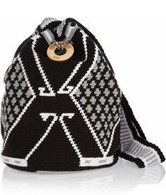 Mochila Tapestry Bag, Tapestry Crochet, Knit Crochet, Tribal Patterns, Crochet Patterns, Crochet Purses, Crochet Bags, Knitted Bags, Winter Hats