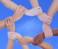 Formar profesionistas dedicados a la facilitación de procesos grupales, destinados a promover el desarrollo personal y social, mediante fundamentos teóricos-metodológicos de la Psicología Humanista, aplicados a diversos ámbitos: educativo, laboral, comunitario, etc. Inicia 19 de Agosto.