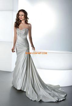 Sweetheart Sleeveless Crystal Detailing Wedding Dresses 2013