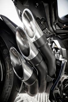 Style-Bike Triplespeed Headquarters Manifest - MV Agusta 800 Dragster - MOTORRAD
