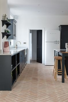 Emma Rose Thatcher Home Renovation featuring Ca' Pietra Marlborough Terracotta Parquet tiles in Emma's Devol Kitchen. Kitchen Tiles, Kitchen Flooring, Parquet Tiles, Rose House, Terracotta Floor, Gray And White Kitchen, Interior Design Kitchen, Home Renovation, Home And Living