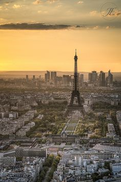 Eiffel Tower at Sunset by Julien Fromentin