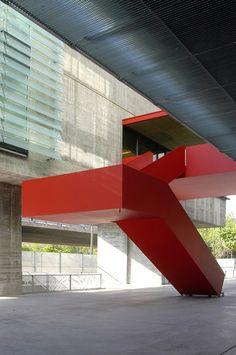 Sede de la EMT, Madrid, Spain, by Estudio Cano Lasso Arquitectos: sometimes RED is the way to go...