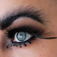 Fuzzy caterpillar brows and freakishly long lashes on the corners of your eyes are not cute. Fx Makeup, Beauty Makeup, Hair Makeup, Hair Beauty, Long Lashes, Eyelashes, Eyebrow Trends, Avant Garde Hair, Movie Black